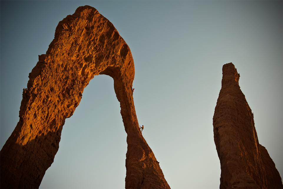 Towers of the Ennedi filmaren fotograma © Jimmy Chin