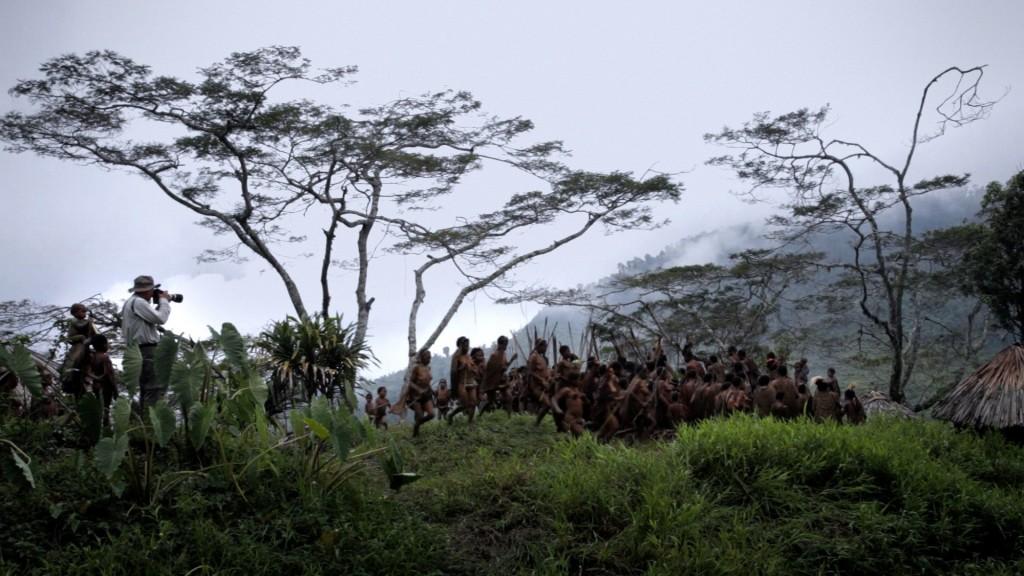 The Salt of the Earth dokumentalaren fotograma, Juliano Ribeiro Salgado eta Win Wenders-ek zuzendutakoa