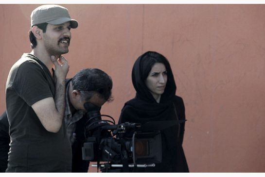 Keywan Karimi zuzendaria Writing in the City dokumentalaren filmaketan